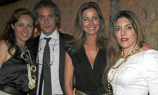 Idoia Rivas, Carlos Barceló, Isabel Hernández y Plácida Mariño.