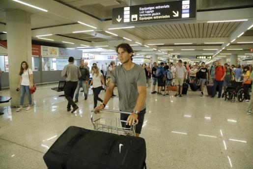 Rafael Nadal a su llegada al aeropuerto de Son Sant Joan.