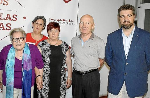 Isabel Alemany, Delia Cuende, Coloma Crespí, Jordi Crespí y Joan Crespí.