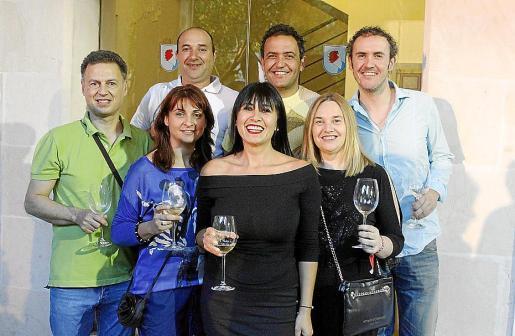 Xisco Lliteras, Pep Santos, Xisca Galmés, Antònia Fuster, Carlos Bassa, Alex Bassa y Marga Bassa.