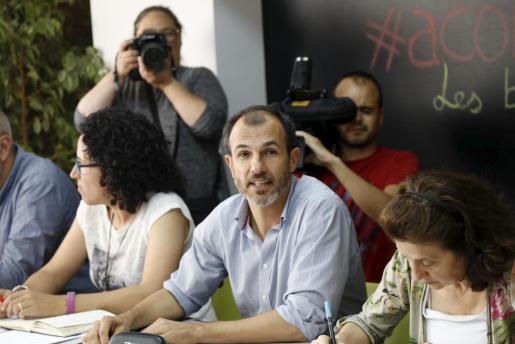 El candidato de MÉS a la Presidencia del Govern balear, Biel Barceló, ha considerado este miércoles que el «problema» para pactar un gobierno de izquierdas es que «evidentemente la guerra abierta entre Podemos y PSOE a nivel estatal se está trasladando a Baleares y ésta dificultando este acuerdo».