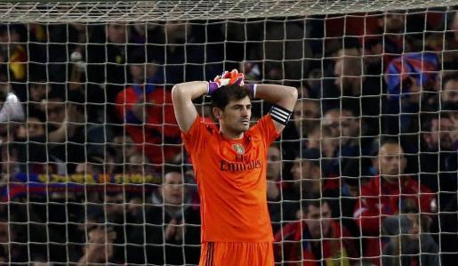 Iker Casillas durante la disputa del último clásico ante el FC Barcelona en el Camp Nou.