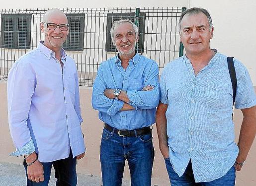 Bernardí Vives (PI), Gori Estarellas (PSOE) y Jaume Tomàs (MÉS) han ultimado un pacto para gobernar en Llucmajor.