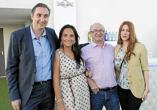 Toni Masso, Gloria Rodríguez, Nicolás Emery y Alba Emery.