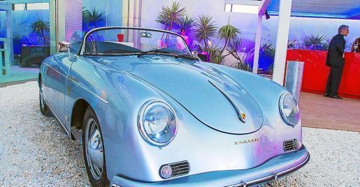 Uno de los coches de lujo.