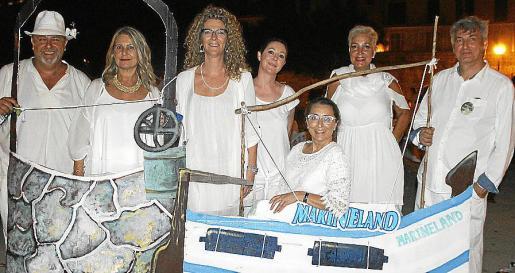 Jaume Robina, Carmen de Oleza, Rosa Sánchez, Marga Coll, Mari Nova, María José López y Alejandro Maciá.
