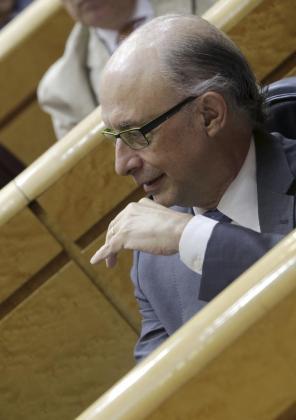 El ministro de Hacienda, Cristóbal Montoro, durante la sesión de control celebrada este martes en el Senado.
