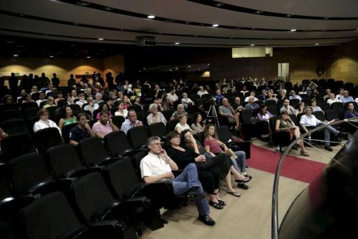 Imagen de una asamblea informativa de la formación que encabeza Alberto Jarabo.