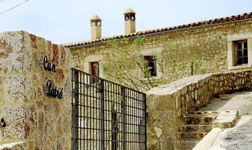 Imagen de Son Patró, propiedad de Tirso Tarragó, cuyos exteriores están totalmente rehabilitados.