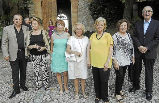 Miquel Estade, Margalida Negre, María Gabriela Company, Marisé Fernández-Segade, María del Carmen del Valle, Ana Morro y Pere Comas.