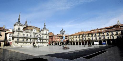 La majestuosa Plaza Mayor es una de las zonas de principal interés en la ciudad.