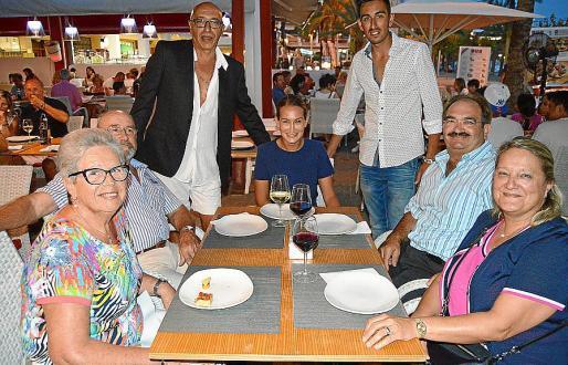 Francisca Hernández, José Truyols, Giuseppe di Paolo, Rosina Batle, Edoardo di Paolo, Juan Miguel Batle y Lluïsa Caldentey.