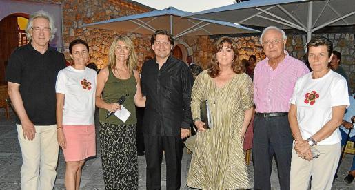 Bernd Jogalla, Paula Serra, Lina Pons, Pablo Mielgo, Maria del Mar Bonet, Sebastià Rubí y Carme Serra.
