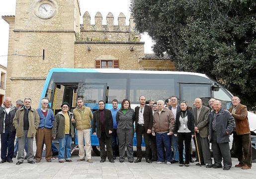 En el mes de febrero de 2009 se inauguró el servicio del bus urbano.