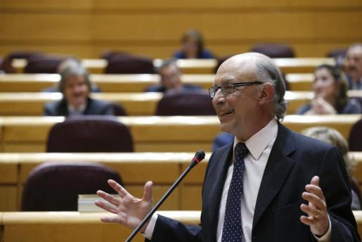 El ministro de Hacienda y Administraciones Públicas, Cristóbal Montoro, en una intervención en el Senado