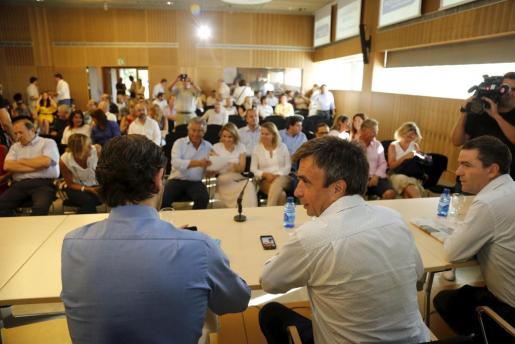 Miquel Vidal junto a José Ramón Bauzá durante su ratificación como presidente del PP.