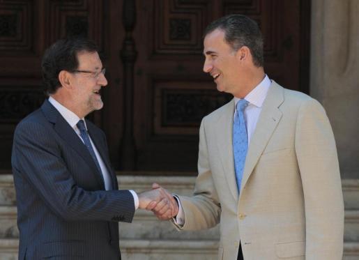 Imagen de la audiencia en 2014 entre el Rey Felipe VI y el Presidente del Gobierno, Mariano Rajoy.