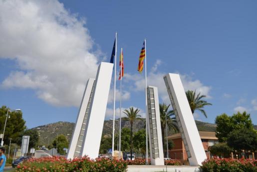 Imagen de las tres banderas en Palmanova.