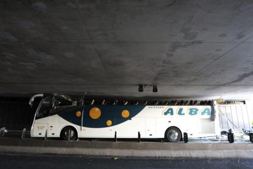 El autobús que transportaba se empotró en un túnel demasiado bajo del Grand Boulevard de la periferia de Lille.