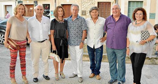 Cristina Escape, Joan Bennàssar, Dolores Martínez, Lluís Fuster, Amador Magraner, Juan Torres y Maria Buades.