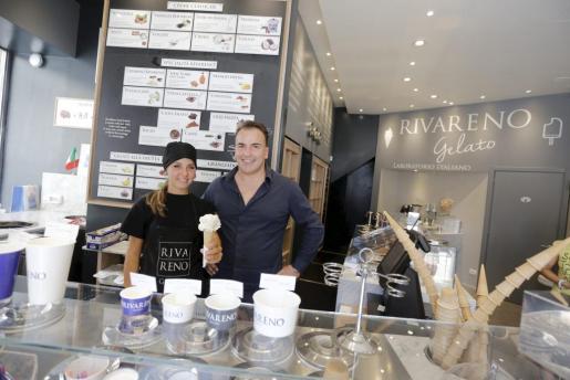 Rivareno Gelato ofrece helados, sorbetes, polos, granizados y cestas de fruta fresca.