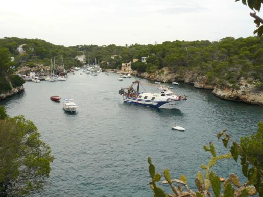 El muelle de Cala Figuera acoge la espectacular procesión marinera.