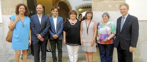 Catalina Cladera, Jaume Gomila, Francesc Miralles, Xelo Huertas, Francina Armengol, Esperança Camps y Miguel Ángel Recio.