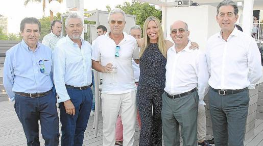 Toni Sansó, Alfonso Molina, Álvaro Sans, Sara Matarrubia, Antonio García y André Girondeau.