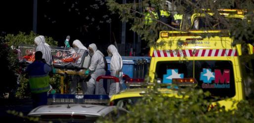 Imagen de archivo del traslado del religioso Miguel Pajares, el primer español contagiado de ébola.