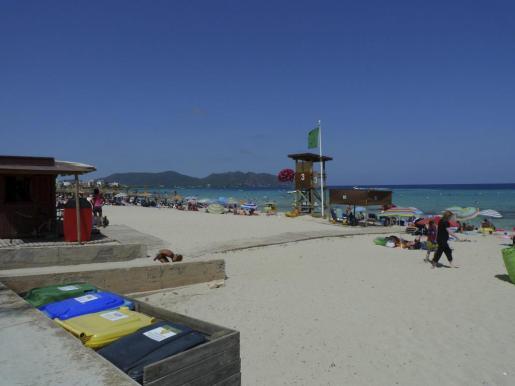 La playa de Cala Millor ha obtenido un año más la distinción de Bandera Azul, además de otros reconocimientos que disfruta esta zona.