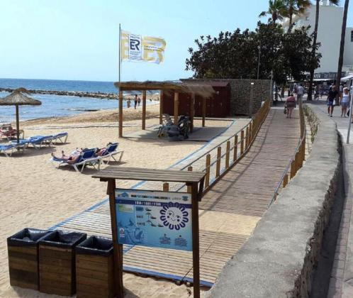 Vista del punto de acceso universal que se encuentra en Cala Bona.