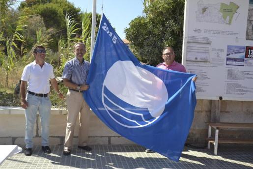 La Platja de Muro cuenta un año más con la Bandera Azul.