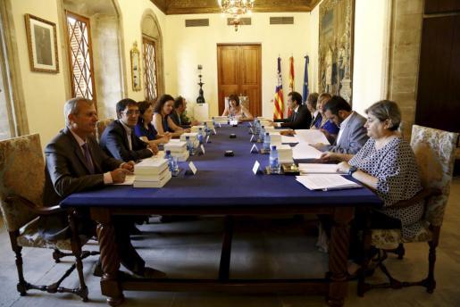 Primera reunión del Consell de Govern.