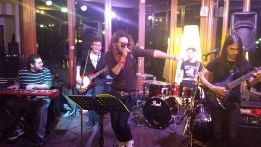 The Luxers en concierto.