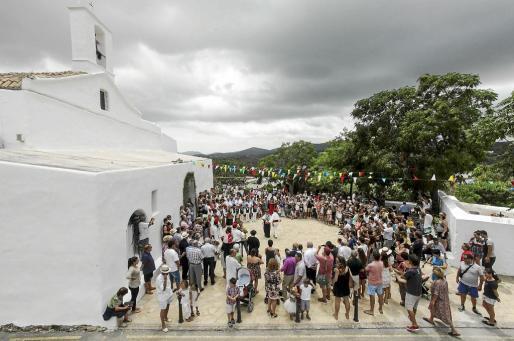 El cielo cubierto permitió que la gente disfrutara del tradicional espectáculo sin sufrir las altas temperaturas del mes de agosto. Foto: DANIEL ESPINOSA