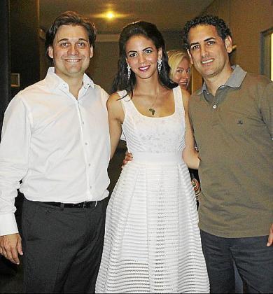 Pablo Mielgo, la soprano invitada, Fatma Said; y el tenor Juan Diego Flórez.