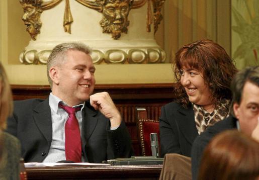 Josep Melià, a la izquierda, defendió la enmienda en comisión y se aprobará el martes.