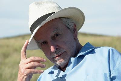 Antonio Larreta, guionista, escritor y director de cine.