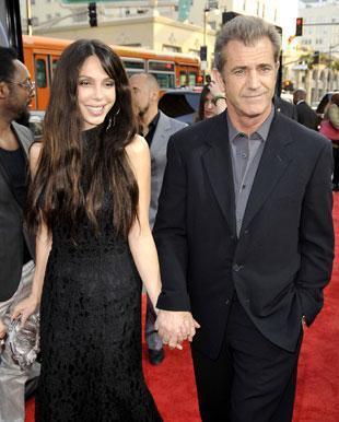 Una imagen de la ex pareja formada por Mel Gibson y Oskana Grigorieva, cuando estaban juntos.
