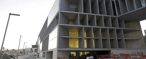 El 95 % del Palacio de Congresos ya está ejecutado, faltan algunos acabados y concluir el techo de la sala grande.