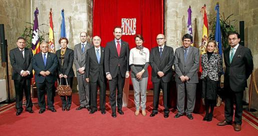 Araujo, Aguiló Monjo, Fernández, Bauzá, Perera, Bauzá, Durán, Aguiló, Argüelles, Mazorra y Pita da Veiga, en el Consolat.