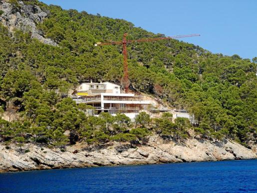 La vivienda del empresario, durante la construcción, cuando ya fue objeto de polémica.