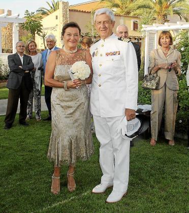 Francine Hostein y José R. Plazas.