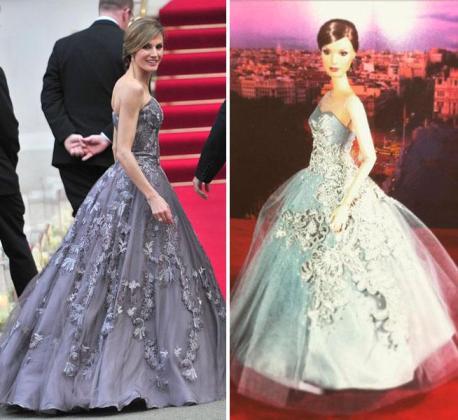 Imagen de la Reina Letizia (izq) con el 'look' en el que se inspirado la réplica (der).