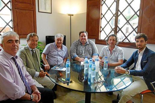 Reunión celebrada este martes entre los responsables de la Autoritat Portuària y del Ajuntament.