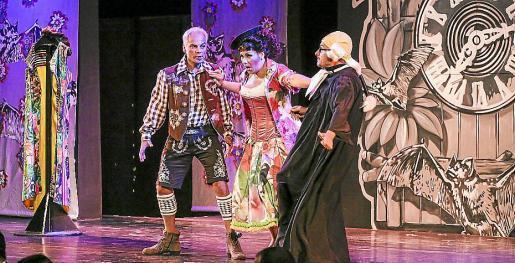 Armin Heinemann y todo su equipo ha conseguido poner en marcha en el Palau de Congressos de Eivissa una magnífica representación de 'El Murciélago'.