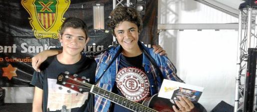 Juanjo y Marc, el viernes tras saberse ganadores del concurso 'Jesús, té talent'.