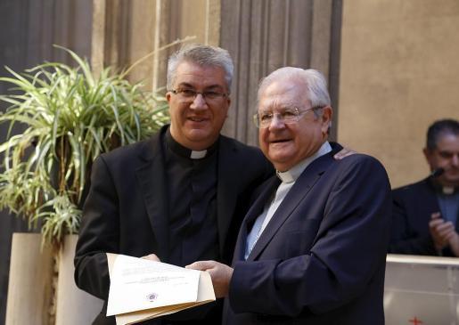 Este miércoles se hizo efectiva la toma de posesión de Nadal Bernat como nuevo provicario de la Diócesis de Mallorca, acto que tuvo lugar en la Casa de la Església en presencia del obispo Salinas.