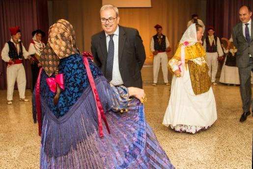 El momento del baile de Vicent Torres y Vicent Marí.