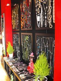 Glow Bijouterie ofrece los complementos más de moda.